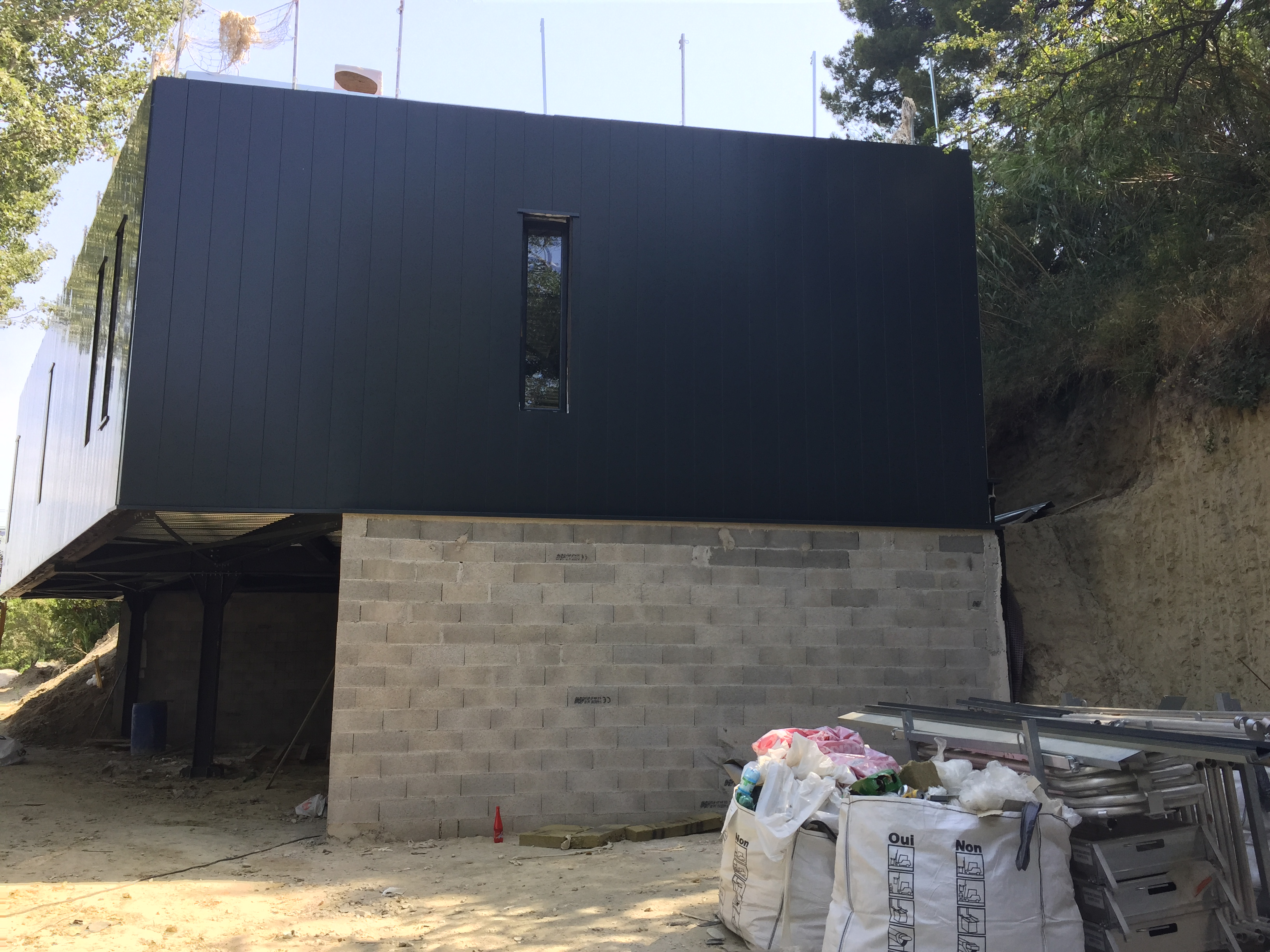 maison hangar metallique ventana blog. Black Bedroom Furniture Sets. Home Design Ideas